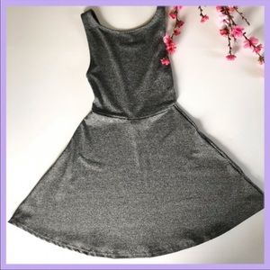 ⭐️ Open back dress high neckline sleeveless $5!